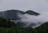 Levo vrh Blegoša, desno Prva ravan