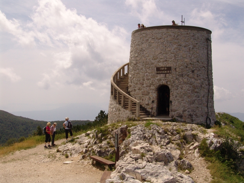 Kula poveča vrh za 5 metrov.